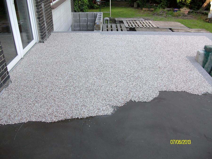 Terrasse mit Steinteppich